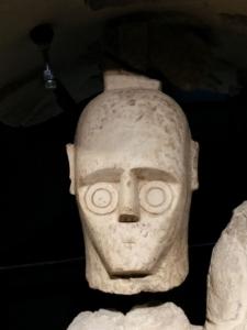 Dettaglio testa di un Gigante di Monte Prama   gli occhi